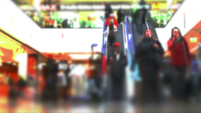 stockvideo's en b-roll-footage met t/l people rushing in shopping mall - geschwindigkeit
