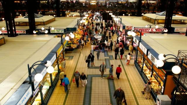 people shopping in great market hall  - osteuropäische kultur stock-videos und b-roll-filmmaterial