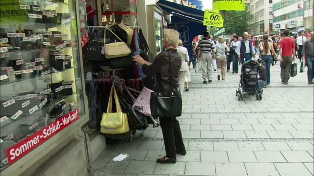 WS People shopping in Marienplatz, Munich, Bavaria, Germany