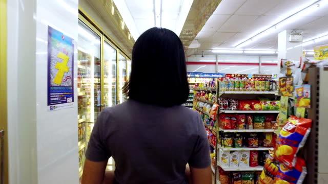 shopping in Supermaket Personen