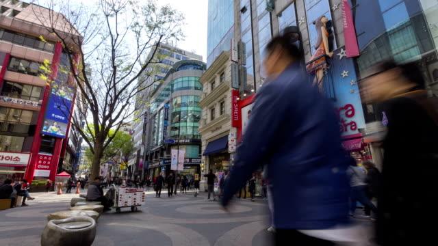 人々のショッピングストリートに洞 time lapse (低速度撮影) - korea点の映像素材/bロール