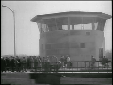 b/w 1959 people standing by control tower for lock system / opening of st lawrence seaway - lago superiore video stock e b–roll