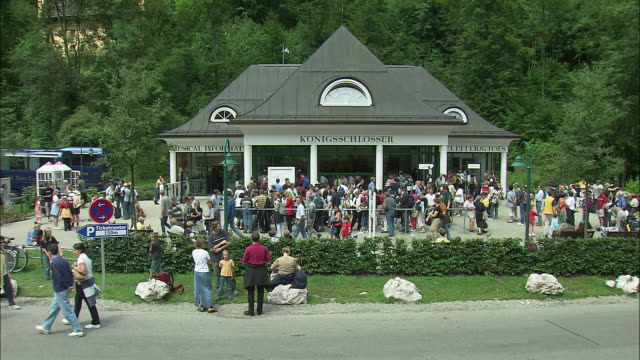 ws people standing in line at kings castles ticket center, hohenschwangau, bavaria, germany - ticket stock videos & royalty-free footage