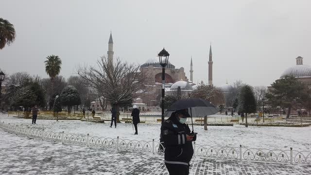 TUR: Snowstorm Hits Istanbul