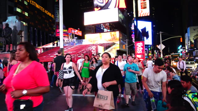 people, times square, new york city - broadway manhattan video stock e b–roll