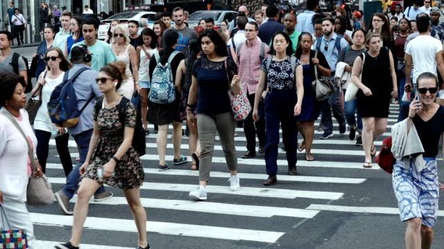people traffic, avenue of the americas, manhattan - new york city - urban road stock videos & royalty-free footage