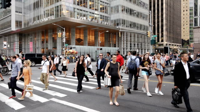 people traffic, avenue of the americas, manhattan - new york city - pedestrian stock videos & royalty-free footage