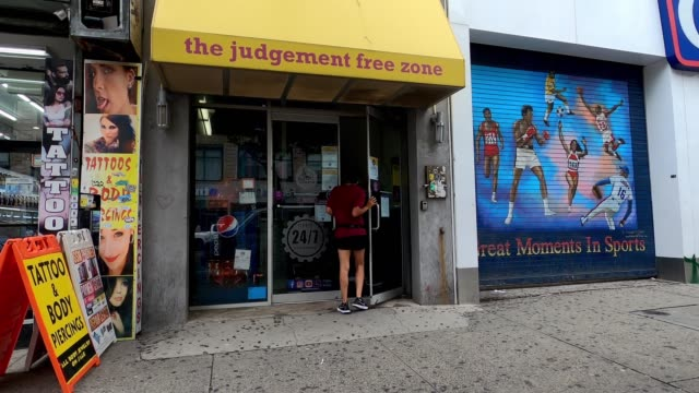 stockvideo's en b-roll-footage met people visit a newly reopened planet fitness in harlem as the city continues phase 4 of reopening following restrictions imposed to slow the spread... - new jersey