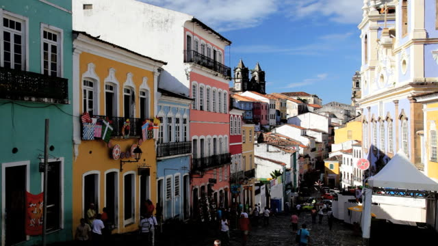 vidéos et rushes de people visiting the historical center pelourinho in old salvador, brazil, south america - unesco