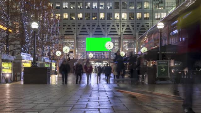 personas caminando en Canary Wharf, Time-lapse con pantalla verde