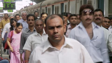 ms people walking at church gate station / mumbai, maharashtra, india - indien bildbanksvideor och videomaterial från bakom kulisserna