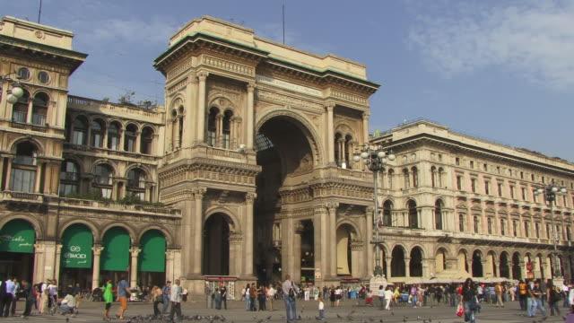 ms, people walking at galleria vittorio emanuele ii, piazza del duomo, milan, lombardy, italy - piazza del duomo milan stock videos and b-roll footage