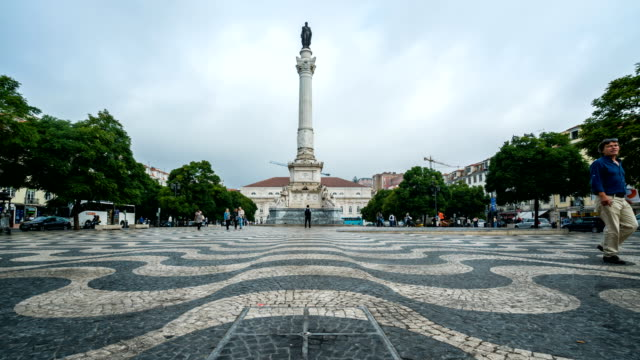 T/L People walking at Rossio Square, Lisboa, Portugal