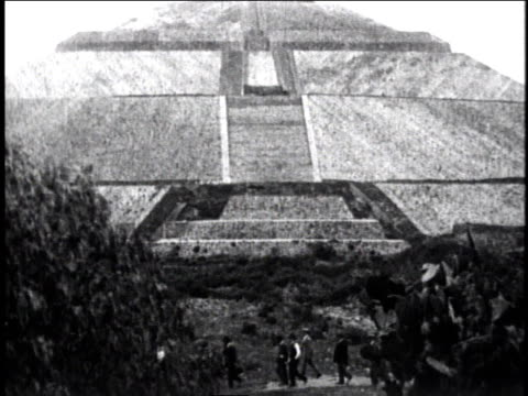 1929 ws people walking in front of pyramid / mexico city, mexico - 1920 1929 video stock e b–roll