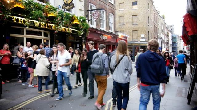 T/L People Walking In London New Row