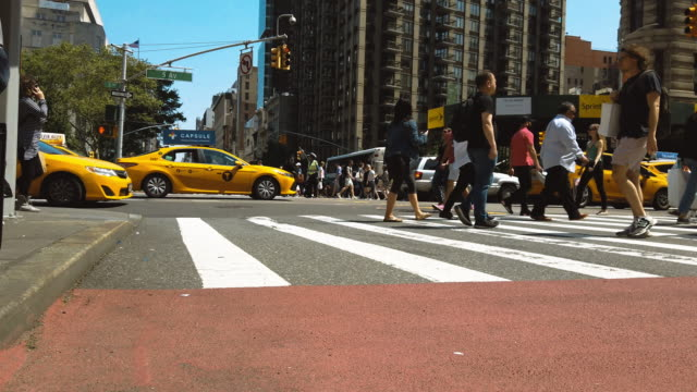people walking in new york city - manhattan new york city stock videos & royalty-free footage