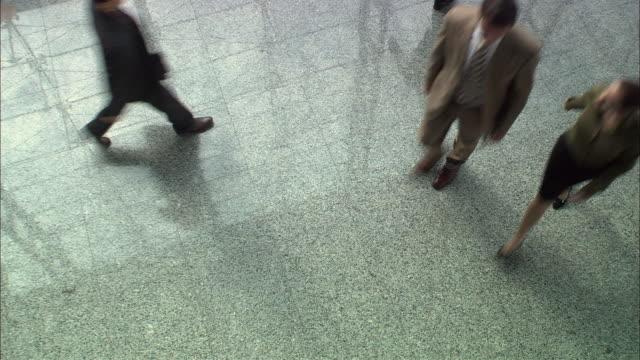 cs, ha, people walking in office lobby, singapore - ロビー点の映像素材/bロール