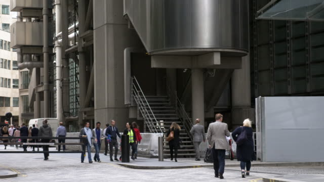 people walking in the city of london - pedestrian stock videos & royalty-free footage