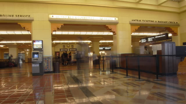 TL WS People walking through concourse at Union Station / Los Angeles, CA, USA