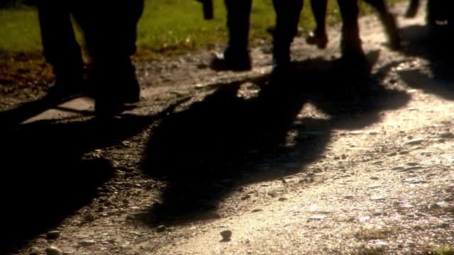 people walks - 手足点の映像素材/bロール