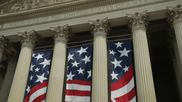 stockvideo's en b-roll-footage met people watch the independence day parade outside the national archives on july 4 2019 in washington dc president trump is holding a salute to america... - national archives washington dc