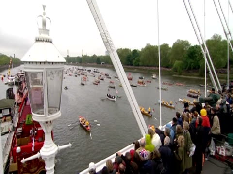 people watch the thames diamond jubilee pageant from the millenium bridge - beauty contest stock videos and b-roll footage