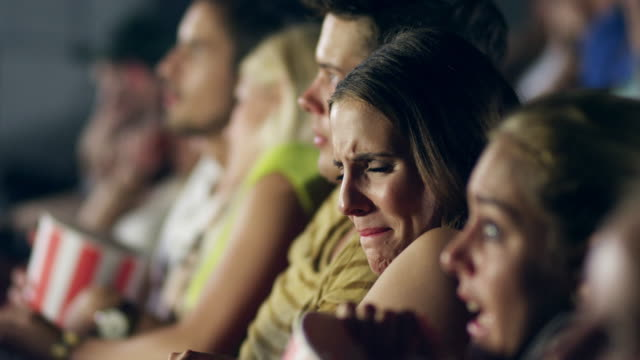 stockvideo's en b-roll-footage met people watching movie - angst