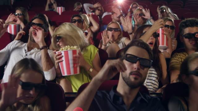 menschen beobachten film - horror movie stock-videos und b-roll-filmmaterial