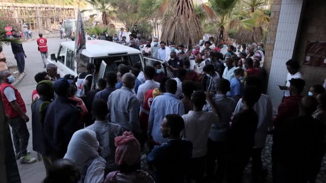 people wounded in a deadly airstrike in ethiopia's war-torn northern tigray region arrive at mekele hospital - conflict stock videos & royalty-free footage