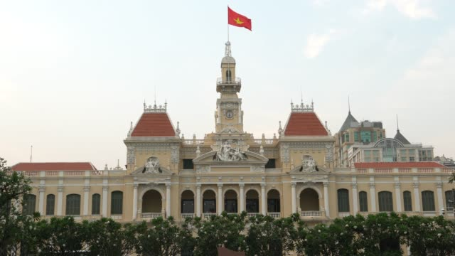 people's committee building ho chi minh city vietnam - kolonialstil stock-videos und b-roll-filmmaterial
