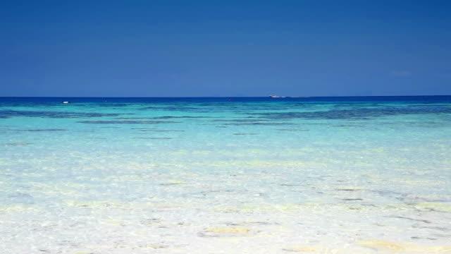 アンダマン海の砂のビーチにぴったりのホワイト