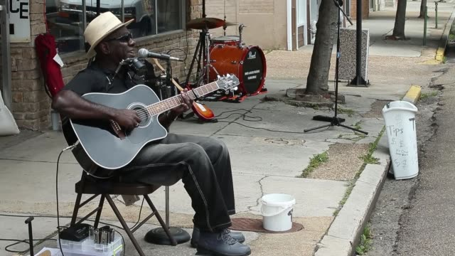 stockvideo's en b-roll-footage met performance long shot of blues artist richard pryor performs outside the rock blues museum juke joint festival celebrates mississippi blues on april... - richard pryor