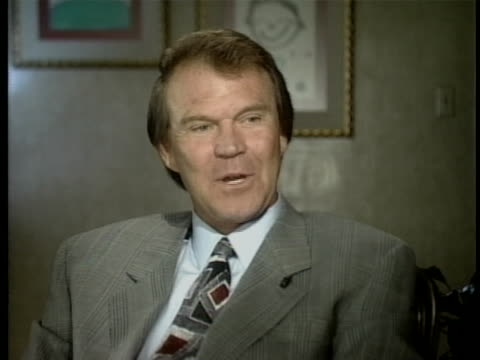 vídeos y material grabado en eventos de stock de performer glen campbell says he is born again after quitting drugs and alcohol, and his old self is only in papers and in the past. - healthcare and medicine or illness or food and drink or fitness or exercise or wellbeing