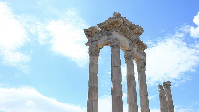 "hd: pergamum-turkey ""temple of trajan"" - arch stock videos & royalty-free footage"