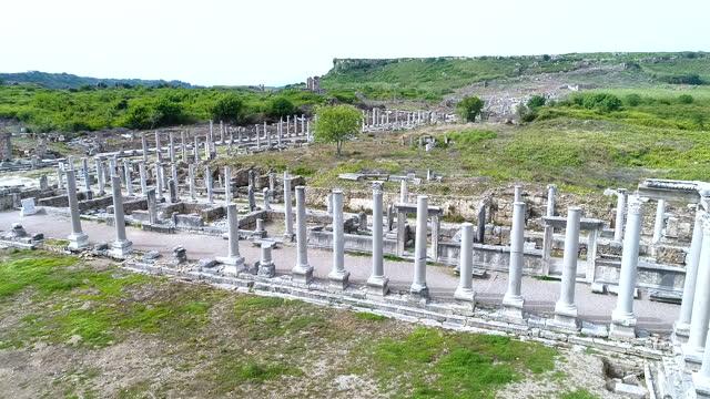 vidéos et rushes de perge ville antique. - monument