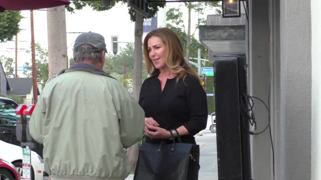 Peri Gilpin greets fans as she has dinner at Craig's Restaurant in West Hollywood in Celebrity Sightings in Los Angeles