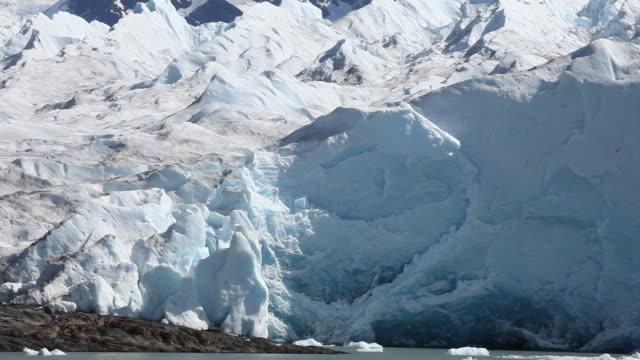 perito moreno glacier in patagonia - cultura argentina video stock e b–roll