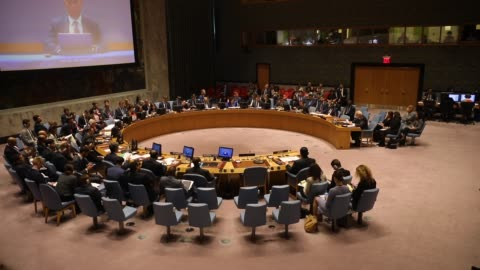 permanent observer ofpalestineto the united nations riyad mansour speaks during a un security council meeting concerning the violence at the border... - パレスチナ文化点の映像素材/bロール