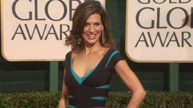 perrey reeves at the 67th annual golden globe awards arrivals part 3 at beverly hills ca - ゴールデングローブ賞点の映像素材/bロール