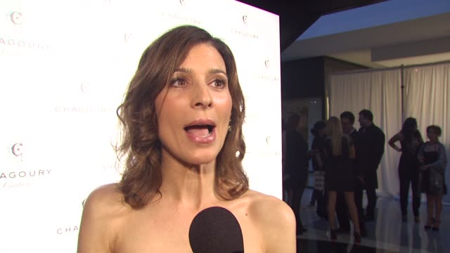 perrey reeves on what brings her out tonight her advice for gilbert on how to handle the public eye if she ever wears white and wishes she hadn't... - american idol stock videos and b-roll footage