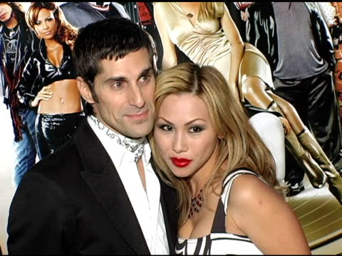perry ferrell and wife at the 'be cool' los angeles premiere at grauman's chinese theatre in hollywood, california on february 14, 2005. - perry farrell stock videos & royalty-free footage