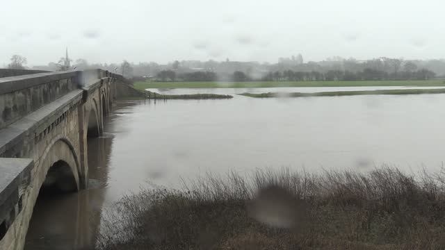 persistent rainfall has led to high water levels and some flooding in derbyshire. footage from the village of repton. - derbyshire stock-videos und b-roll-filmmaterial