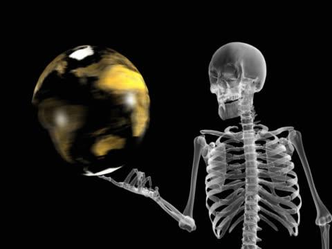 vídeos de stock e filmes b-roll de person holding revolving globe - ilustração biomédica