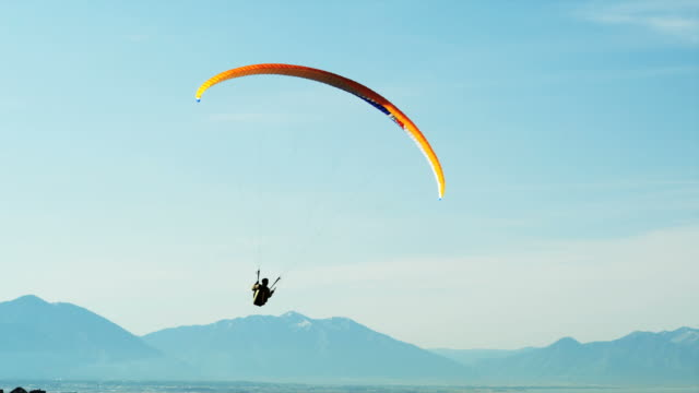 ws pan pov person paragliding / lehi, utah, usa. - lehi stock videos & royalty-free footage