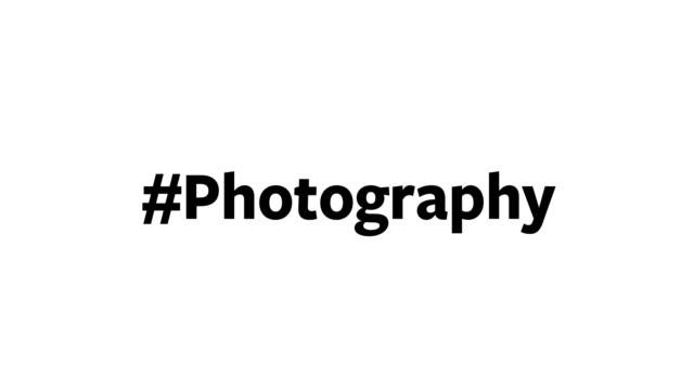 """eine person gibt """"#photography"""" auf ihrem computerbildschirm ein - interaktivität stock-videos und b-roll-filmmaterial"""