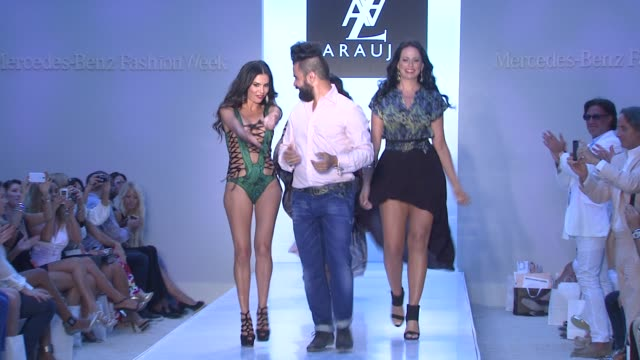 tv personality adriana de moura brazilian actress priscilla marinho designer az araujo and model/business woman cozete gomes az araujo show during... - weibliche angestellte stock-videos und b-roll-filmmaterial