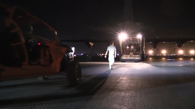 us personnel from the 75th expeditionary airlift squadron and the 37th airlift squadron conduct c130j super hercules cargo operations in east africa... - horn of africa stock videos and b-roll footage