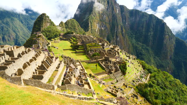 stockvideo's en b-roll-footage met peru, machu pichu, general view of the archaeological site - latijns amerika