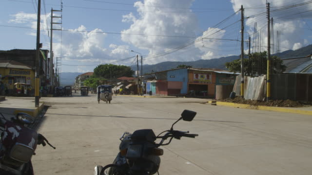 peruvian village street, wide shot - town stock videos & royalty-free footage