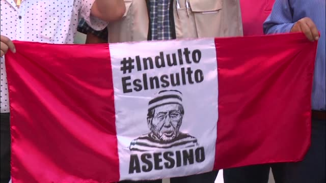 peruvians take to the streets on thursday against the decision of president kuczynski to pardon former leader alberto fujimori who had been serving a... - peruvian ethnicity stock videos & royalty-free footage